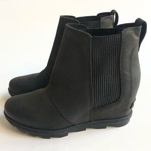 Sorel Joan of Arctic black wedge chelsea boots